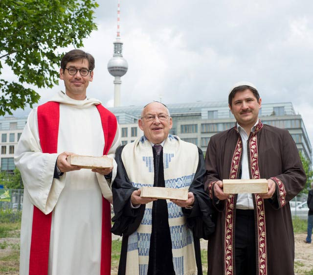 world s first combined mosque synagogue church to be built in berlin