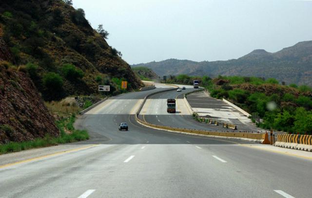 chinese railway company wins bid for karachi lahore motorway