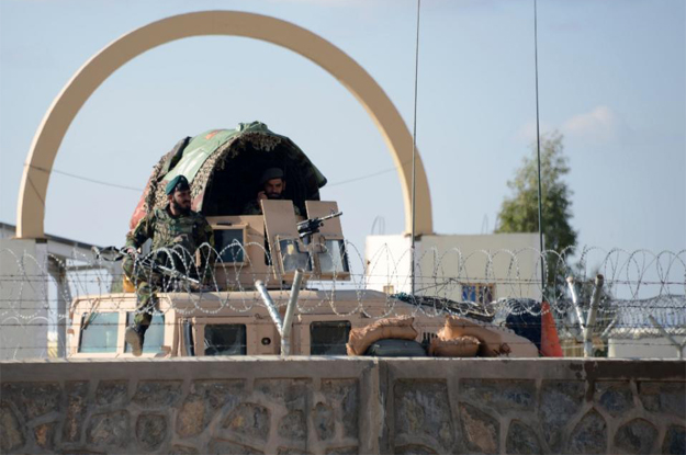 up to 50 dead as kandahar siege ends