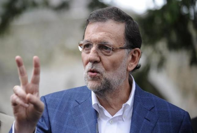 spain s pm rajoy punched in face on election walkabout