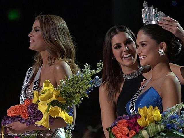 miss philippines crowned miss universe 2015 after live tv mixup