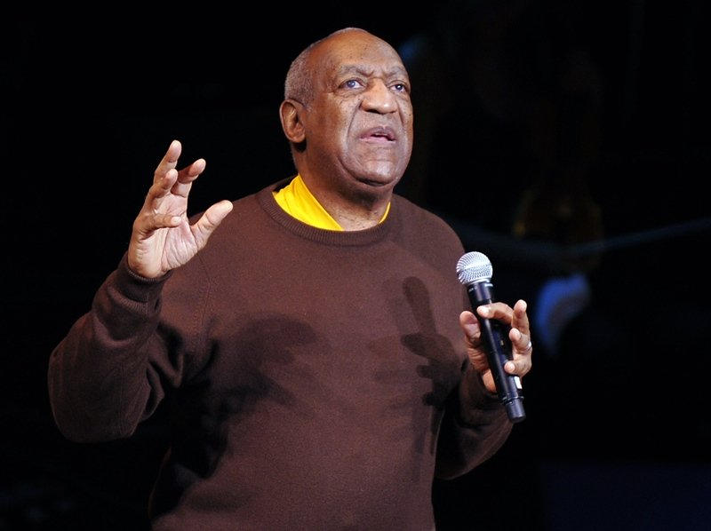 bill cosby performs onstage during a celebration of paul newman s hole in the wall camps at avery fisher hall lincoln center in new york in 2010 photo afp