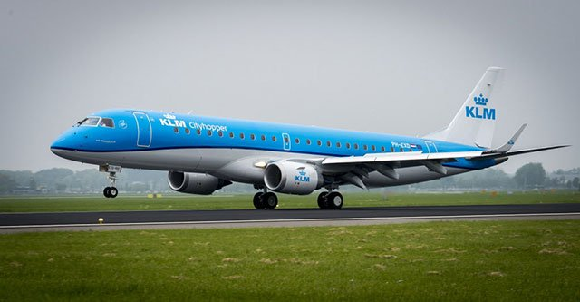 co pilot wounded by passenger on klm flight to china