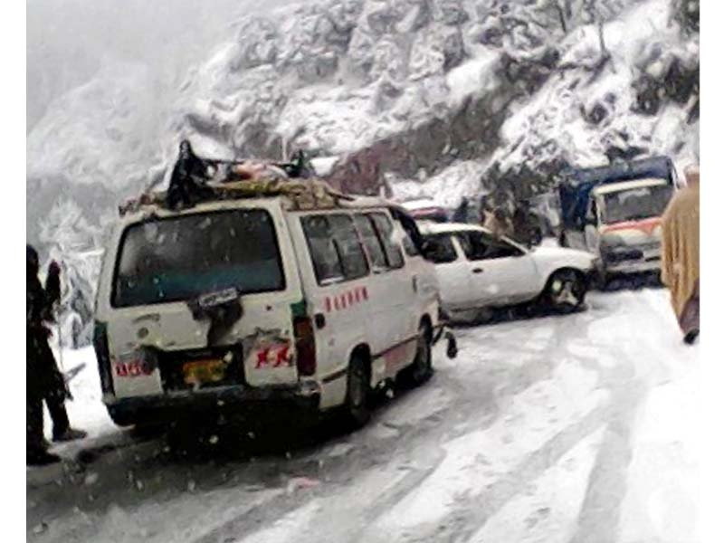 traffic jammed in shangla photo express