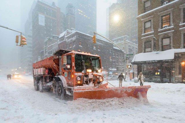 snowzilla blizzard pummels washington new york