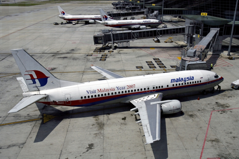 aircraft lessors to vote on restructuring