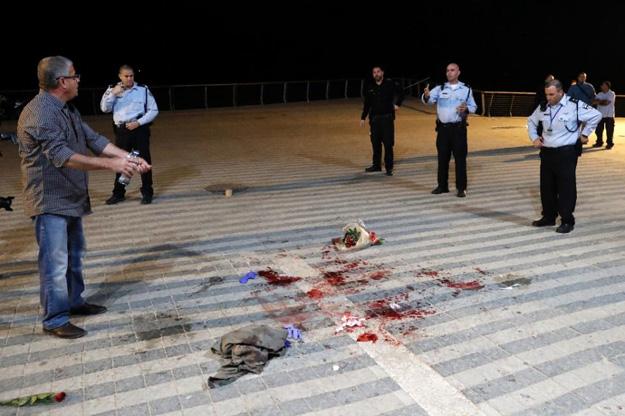 one dead 9 hurt in tel aviv stabbings as biden visits