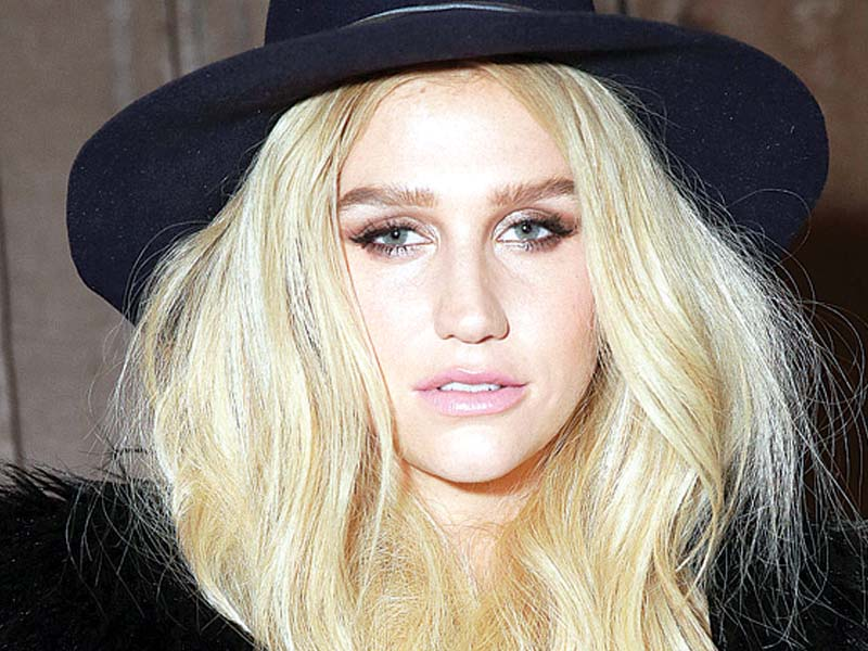 kesha wants to end contract