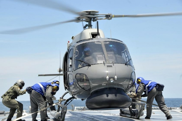 12 algerian soldiers killed in helicopter crash