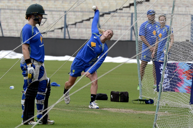 australian women 039 s cricket team at practice photo afp