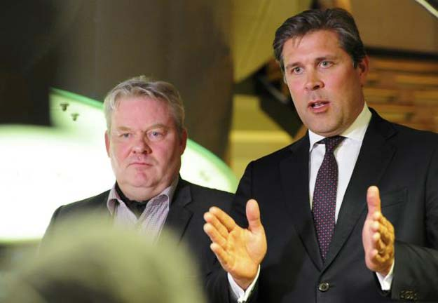 sigurdur ingi johannsson l minister of fisheries and agriculture of the progressive party who was named as new prime minister by two government coalition parties attends press conference together with finance minster bjarni benediktsson in reykjavik iceland on april 6 reuters