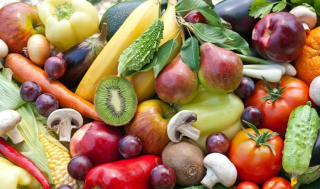 people who eat fresh fruit regularly are less prone to a heart attack photo india