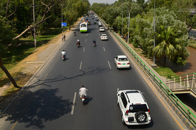 traffic congestion 1 000 canal road trees to be chopped for road widening