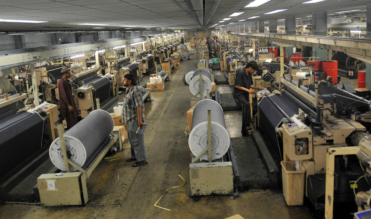 textile sector plans protest against cabinet decision