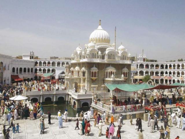sikh pilgrims gathered around gurdwara sri punja sahib in hassanabdal photos rashid ali
