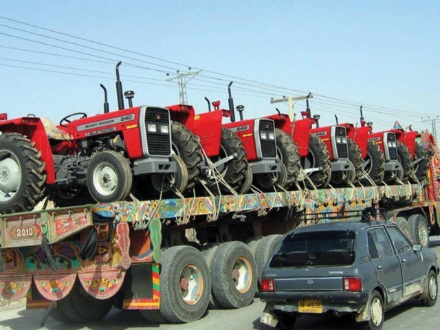 blockage of refunds is hindering smooth operation of the tractor industry states association photo file