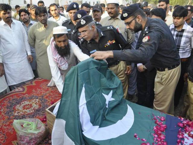 igp punjab attends the funeral of martyred police personnel six policemen were martyred during the operation photo inp