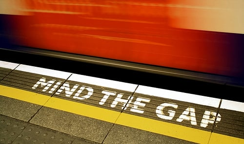 man behind london tube s mind the gap warning dies