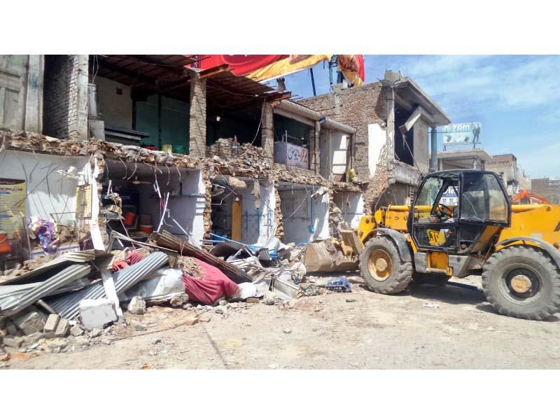 campaign against encroachment over 460 shops razed in city s ramdas bazaar