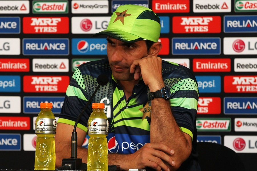 misbah to join a team to prepare for england series