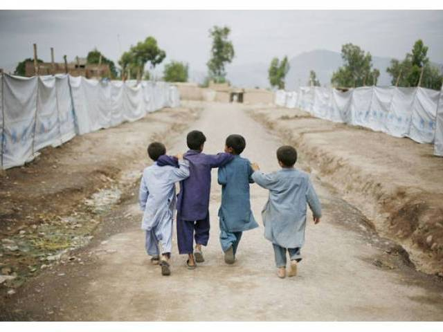 nowshera dpo says there are rumours of gangs taking children to steal organs photo kpcpwc gov pk