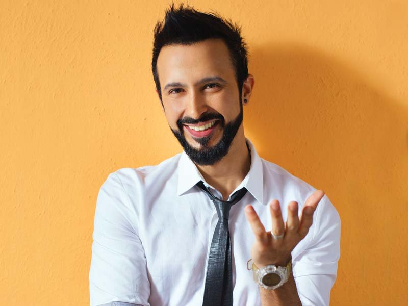 actor ali kazmi shooting with game of thrones director