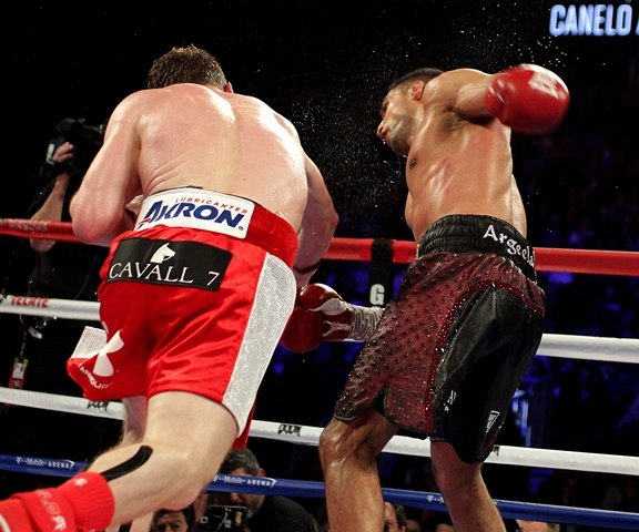 amir khan defeated by canelo alvarez in devastating knock out