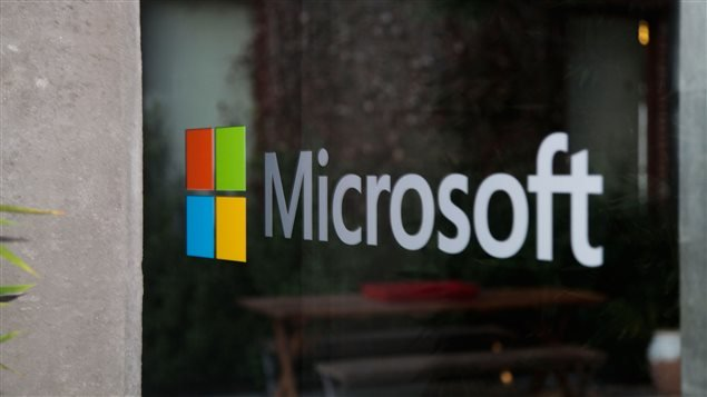 at least 10 hacking groups using microsoft software flaw