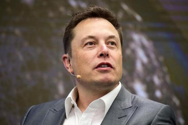 elon musk chairman of solarcity and ceo of tesla motors speaks at solarcity 039 s inside energy summit in manhattan new york october 2 2015 photo reuters