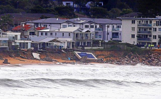 three die others missing in fierce australia storms