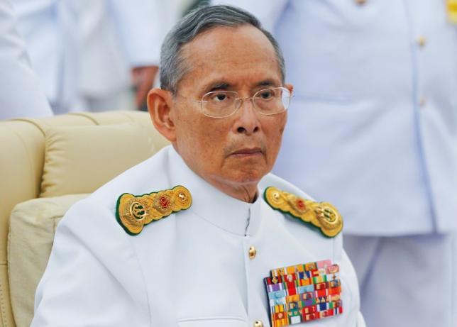 ailing thai king undergoes heart operation