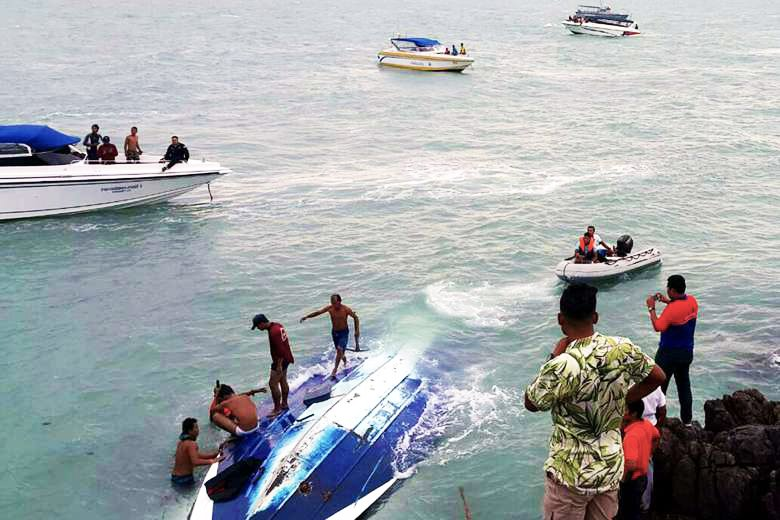two chinese tourists killed in latest thai speedboat crash