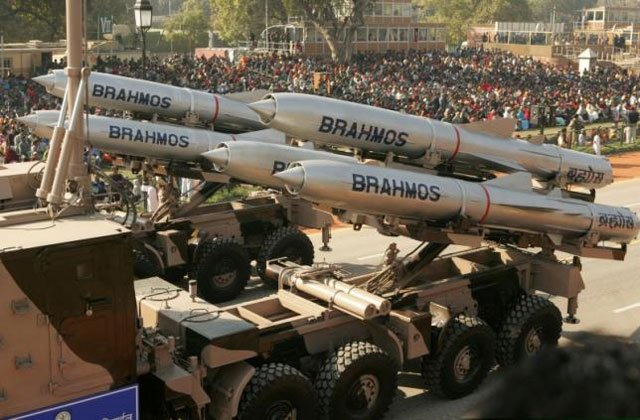 India's Brahmos supersonic cruise missiles, mounted on a truck, pass by during a full dress rehearsal for the Republic Day parade in New Delhi, India, January 23, 2006. PHOTO: REUTERS