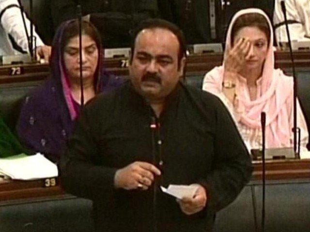 express news screengrab of mqm mpa khawaja izharul hassan