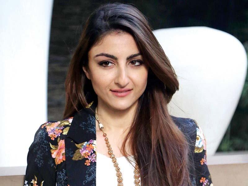 loving an actor is not easy says soha ali khan