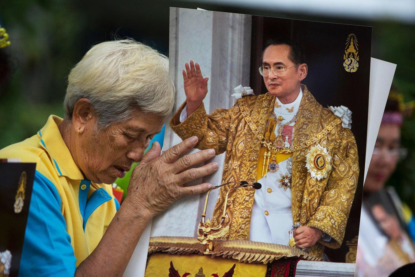 thailand s king continues treatment for water build up on the brain palace