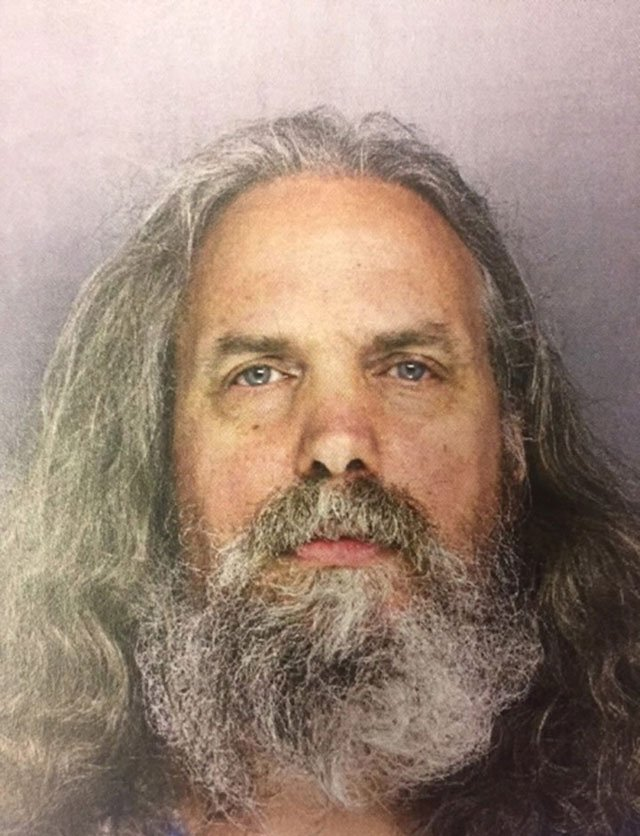 man found living with 12 girls in us faces sex charges