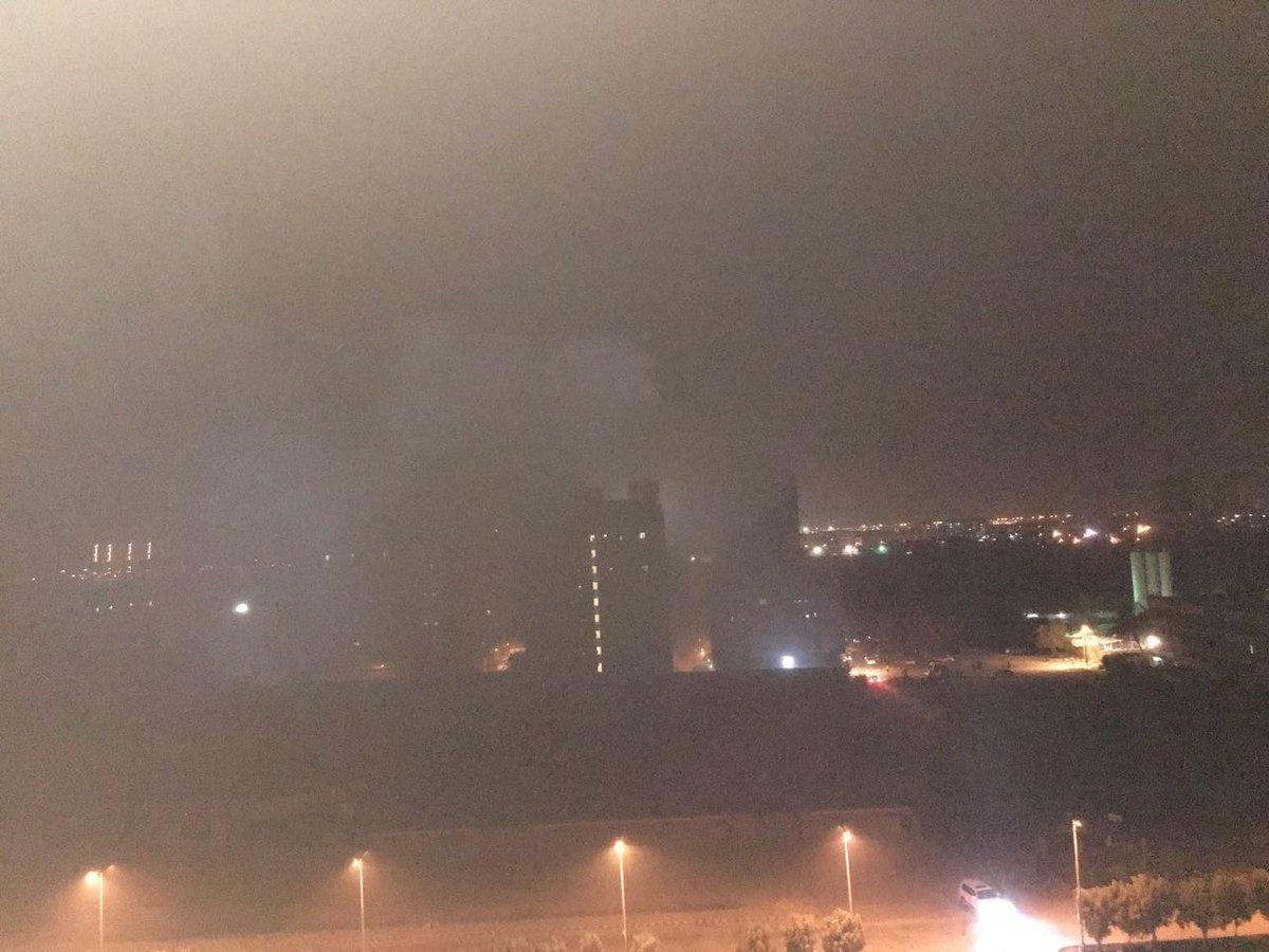 fire engulfs residential building in karachi