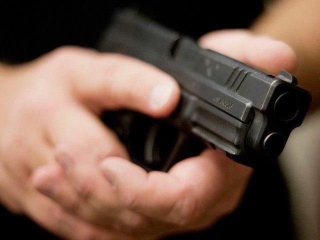 robbers loot petrol pump torture staff