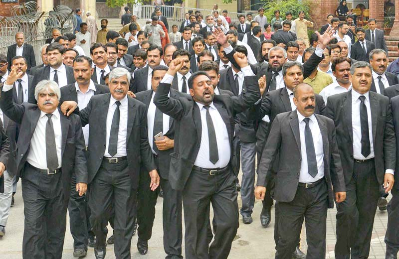 protesting quetta attack grieving lawyers call three day strike
