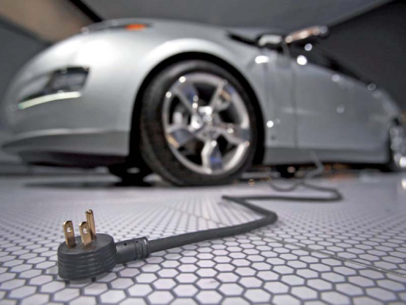 The government was urged to announce a subsidy in the electric vehicle policy to incentivise the end-consumer. PHOTO: FILE