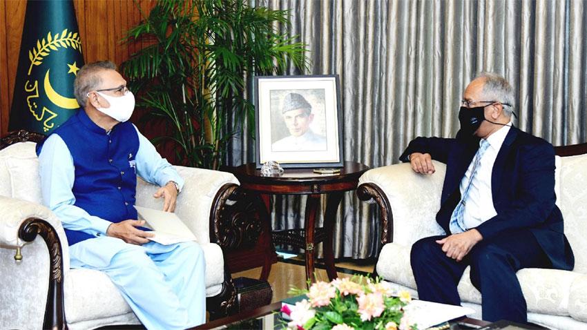 alvi urges pakistani diplomats to expose indian atrocities in iiojk