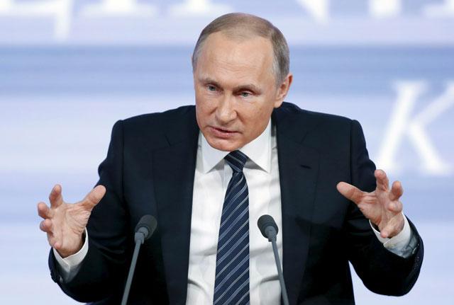 putin accuses ukraine of incursions into crimea