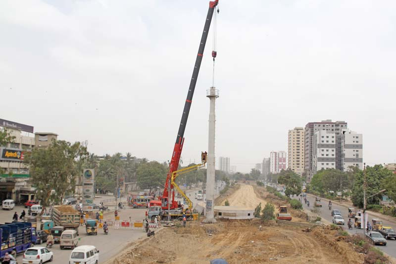 is sindh govt competent enough to run green line brt