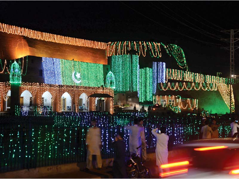 balahissar fort decorated for independence day photo muhammad iqbal express