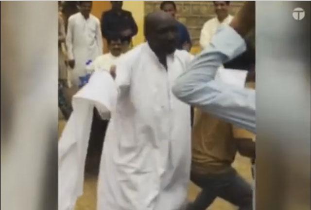 video landhi jail prisoners bust dance moves to celebrate independence day