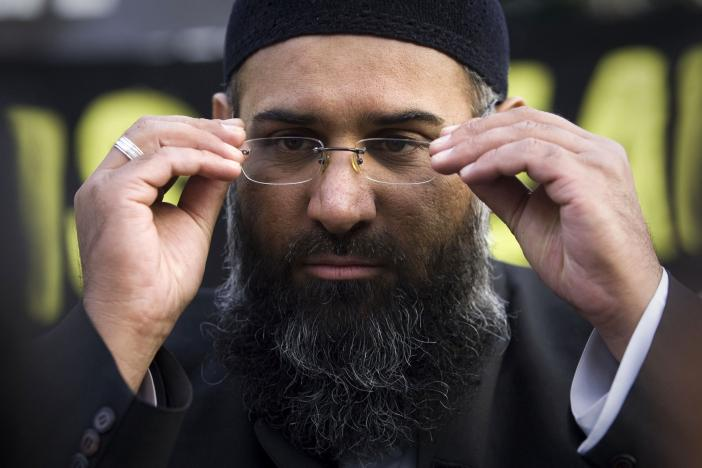 islamic preacher anjem choudary addresses members of the media during a protest supporting the shari 039 ah law in north london october 31 2009 photo reuters
