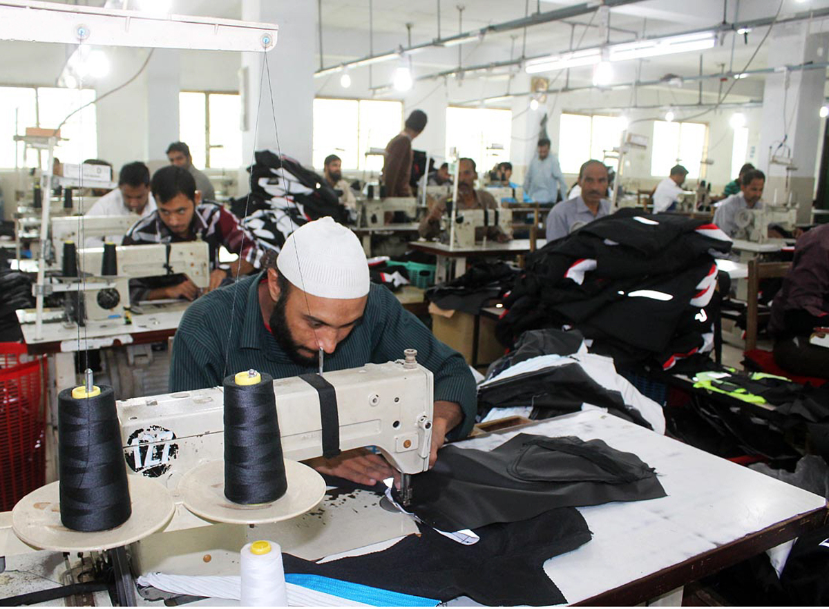 says textile industry suffering due to blocked cash flows photo online
