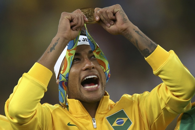 neymar steps down as brazil s captain after clinching olympic gold