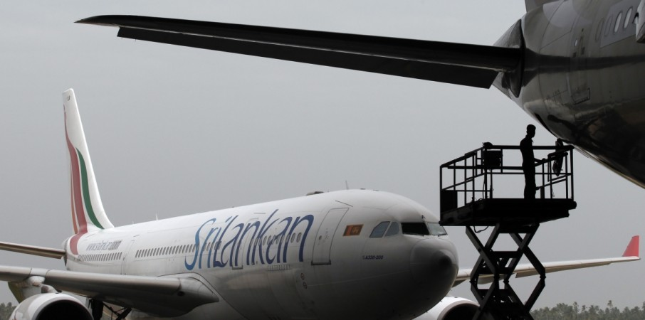 sri lanka airline suspends drunk pilot